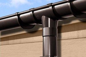 Для чего нужны водосточные системы на крышу?
