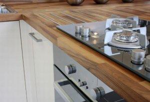 Оформление кухни в квартире классического стиля