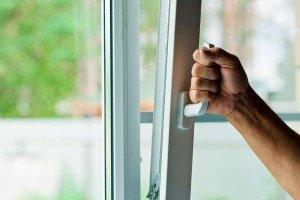 Качественная фурнитура: каким должно быть современное окно?