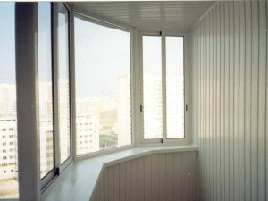По-прежнему популярно остекление балконов