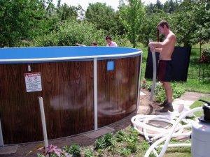 Как произвести ремонт каркасных бассейнов