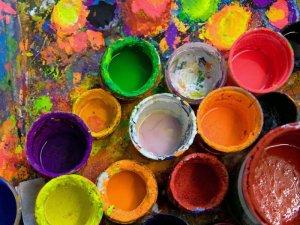Водоэмульсионная краска – универсальный отделочный материал