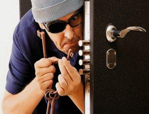 От чего зависит уровень взломостойкости входных металлических дверей