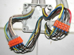 Как можно соединить провода при проведении электромонтажных работ