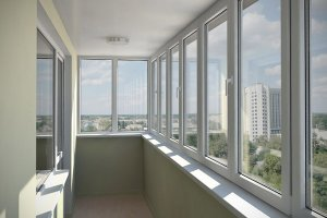 Рассмотрим основные моменты, касающиеся остекления балконов